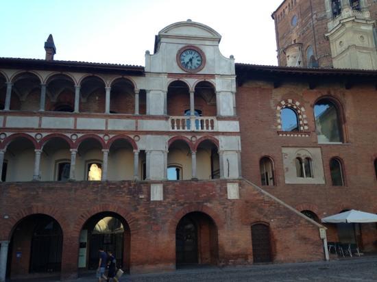 28 aprile - Presentazione Corsi di Dottorato di ricerca proposti dalla Scuola Superiore Sant'Anna e dallo IUSS