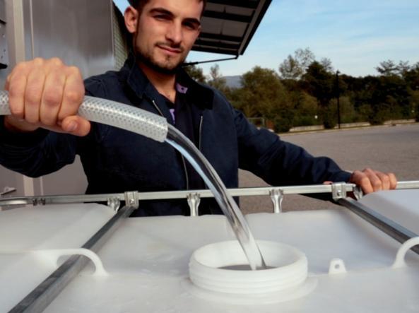 Il «container-deumidificatore» che estrae acqua potabile dall'aria