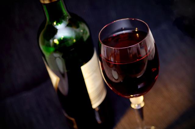 """Master in Alto Apprendistato """"Il Vino: dalla vigna, alla chimica del vino, alla promozione del prodotto finito"""""""