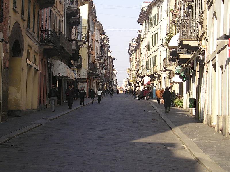 Studenti, l'affitto a Pavia costa la metà di Milano
