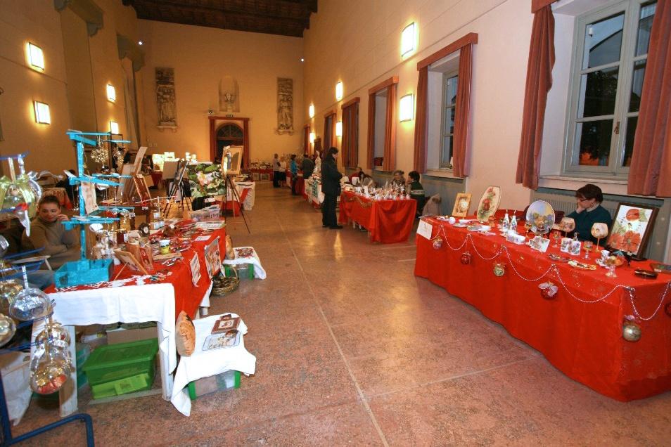 13 dicembre - Vetrina aperta in Ateneo. XII mostra mercato - Mercatino degli hobbisti e manufatti artigianali