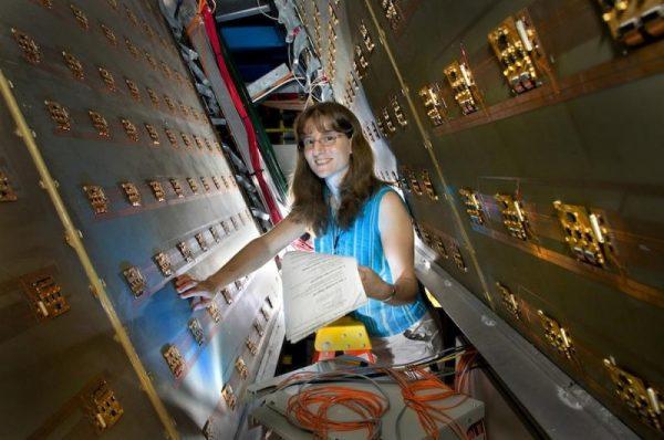 Christine A. Aidala riceve una borsa Fulbright verso l'Italia per studiare l'interazione nucleare forte