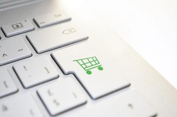 Due startup Unipv si uniscono per aiutare oltre 430 attività commerciali